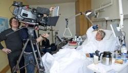 Mitternachtsspitzen im März 2014: Jürgen Becker schaltet sich aus dem Krankenbett zu
